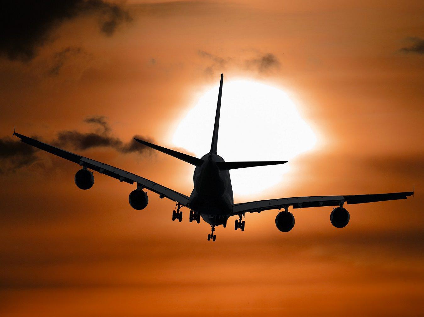Las 5 razones m s comunes que causan accidentes de avi n - Que peut on emmener en avion ...
